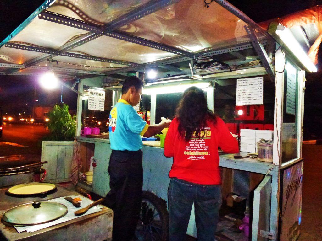 martabak manis mangiare indonesia