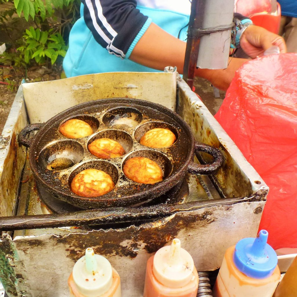 martabak telur street food indonesia