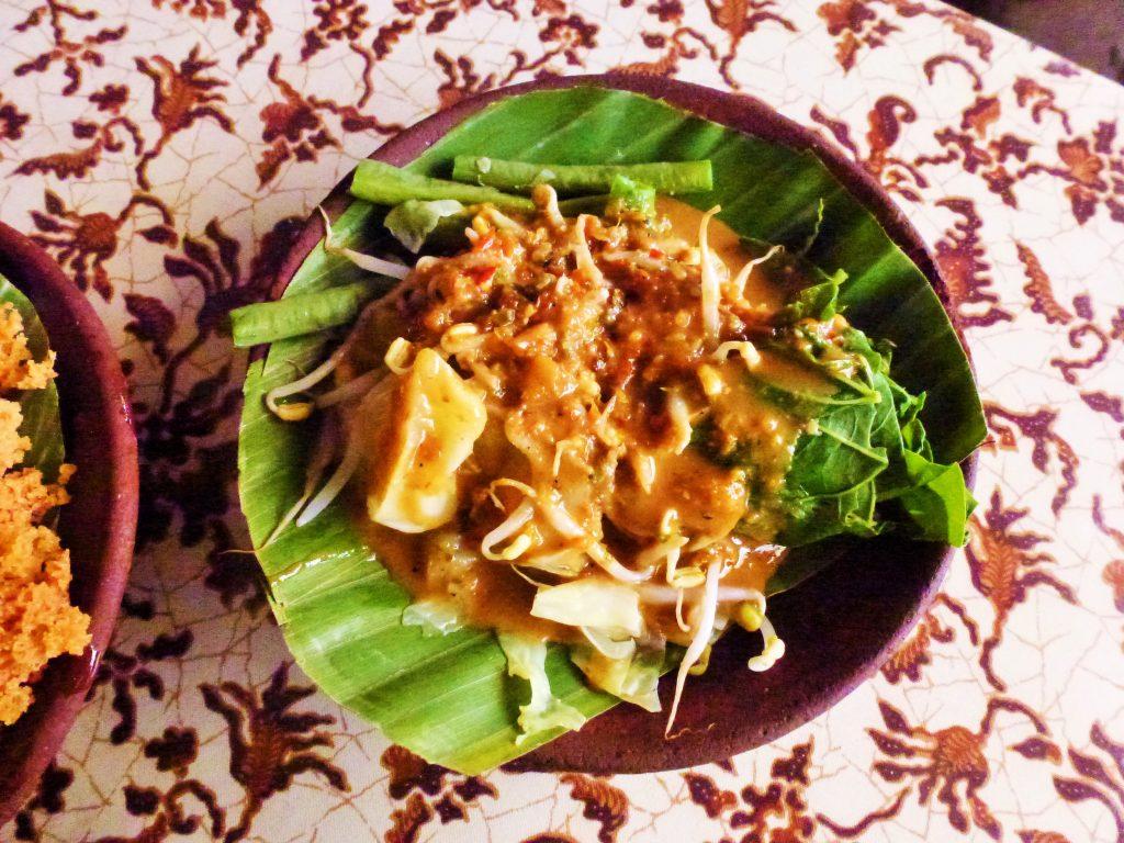 nasi pecel street food indonesia