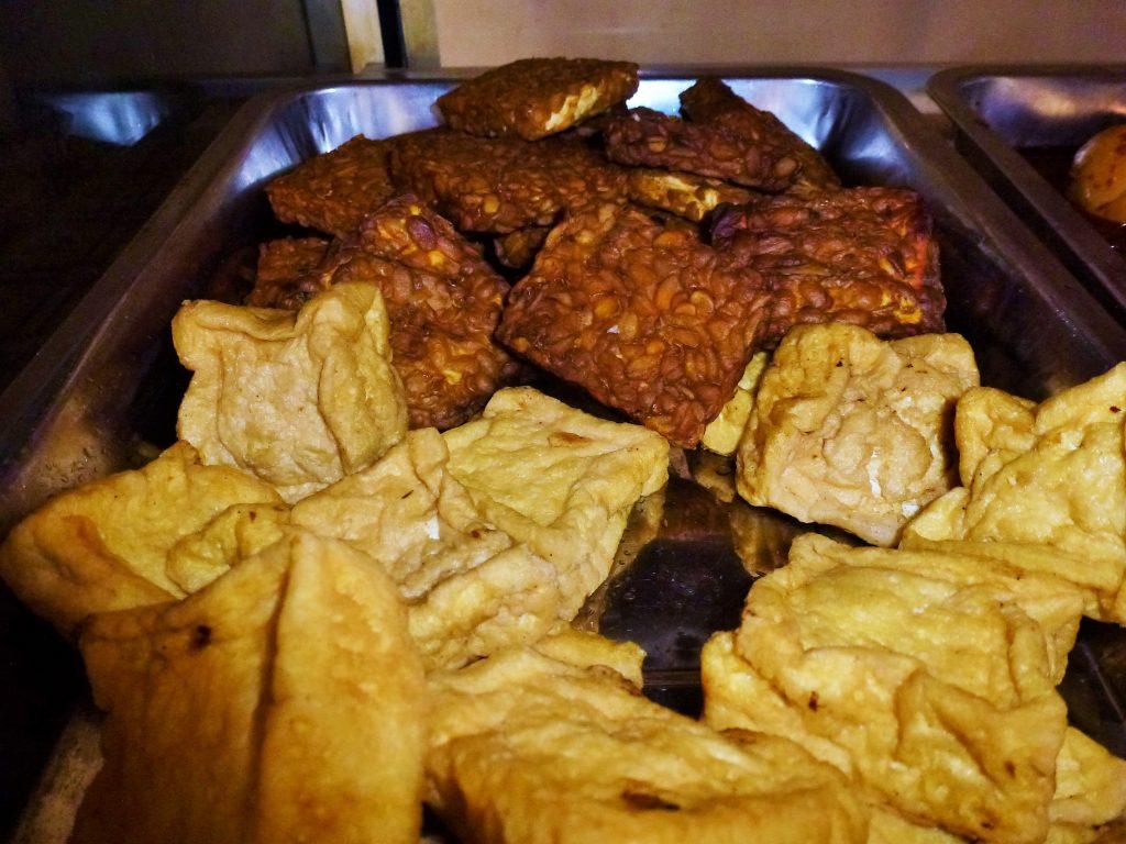 tofu tauh e tempeh street food indonesia