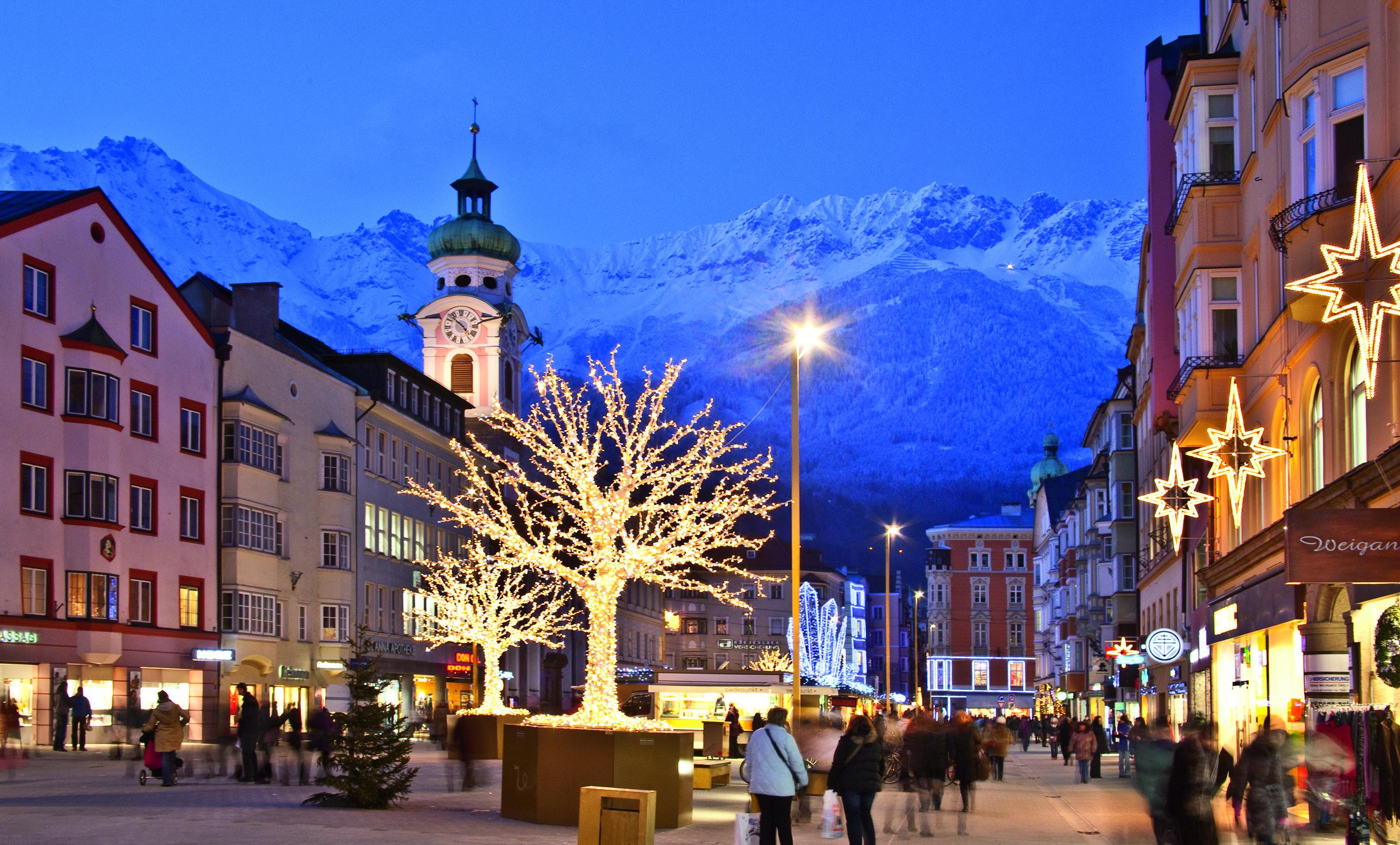 A_innsbruck_Christmasmarket_c_Christoph-Lackner_2004TVB_Innsbruck